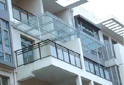 大楼耐力板雨棚效果图